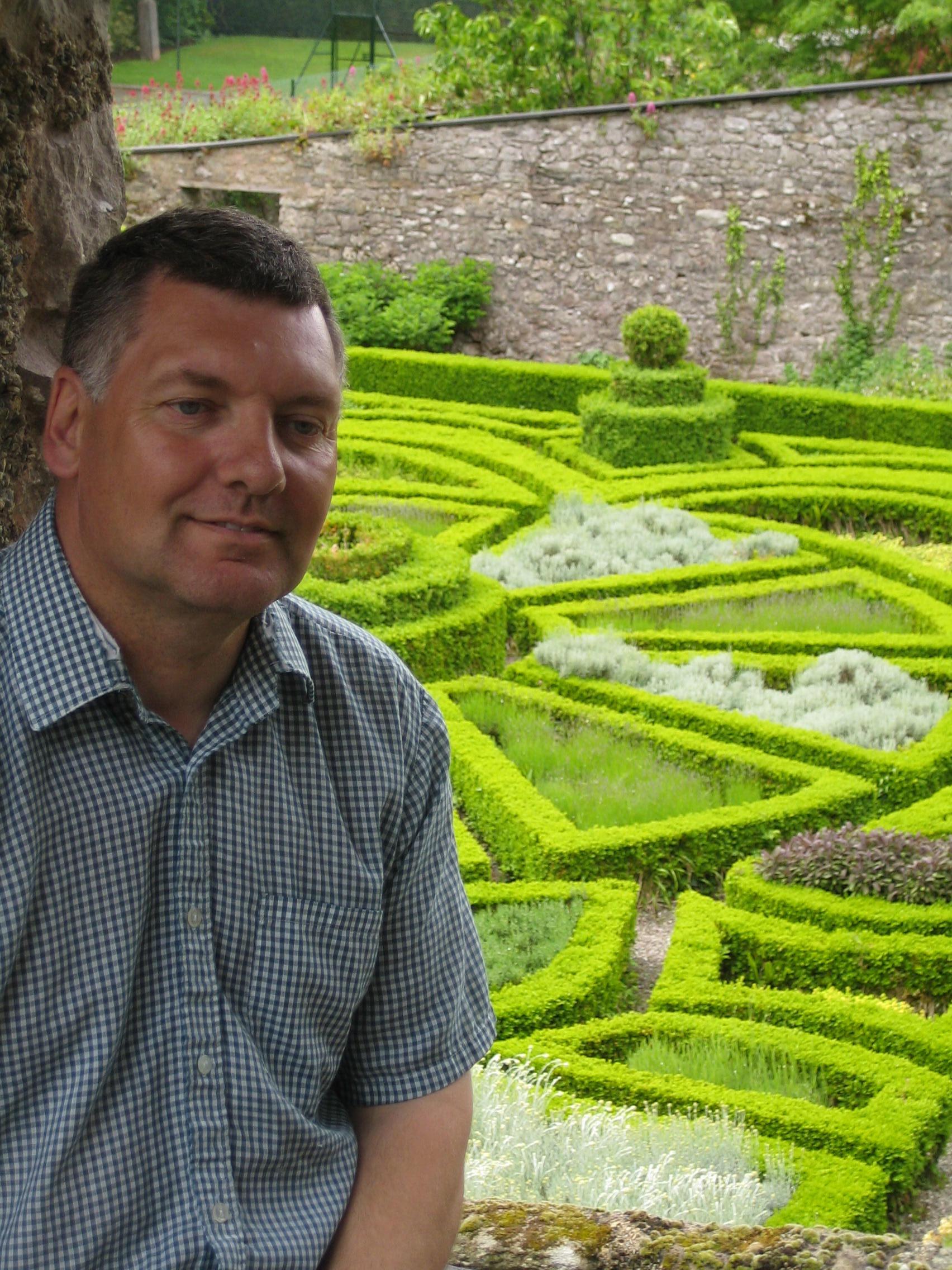 Robert Owen, Head Gardener
