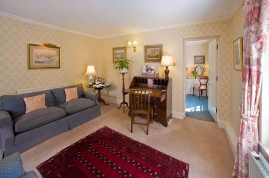 Middlethorpe Courtyard Junior Suite sitting room